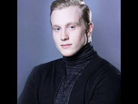 Aron Hannes - Nótt